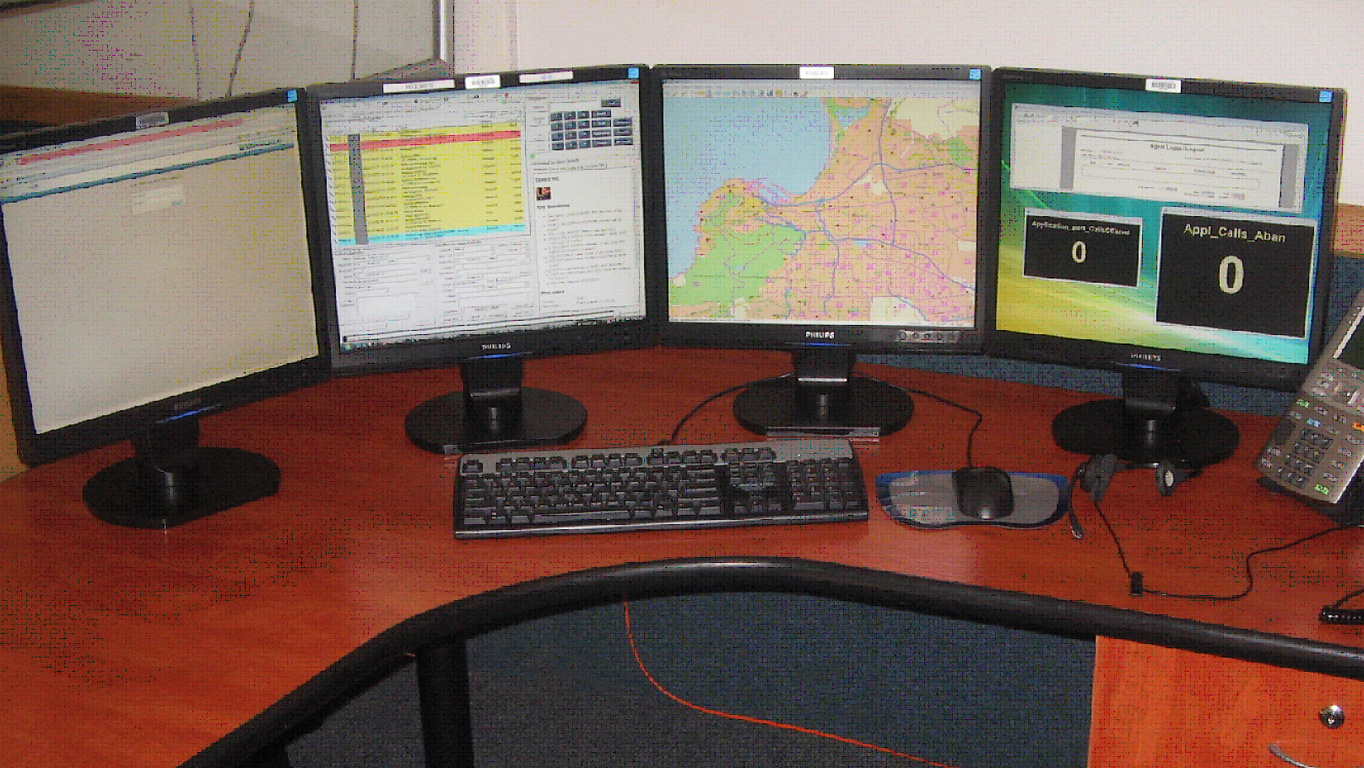 Matrox Extio F1400 units drive four-monitor emergency service operator stations at 1-0-7 Emergency.