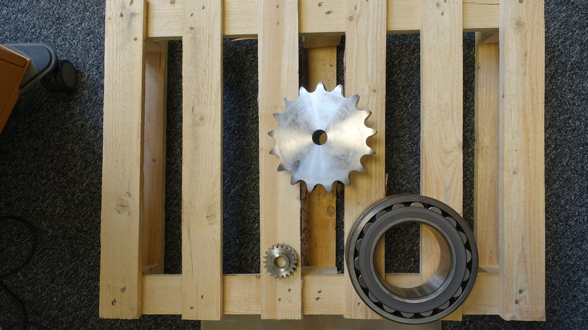 Stainless-steel cogwheels of various sizes and heights