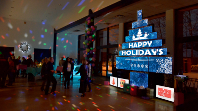 Matrox QuadHead2Go-driven video wall wows corporate partygoers.